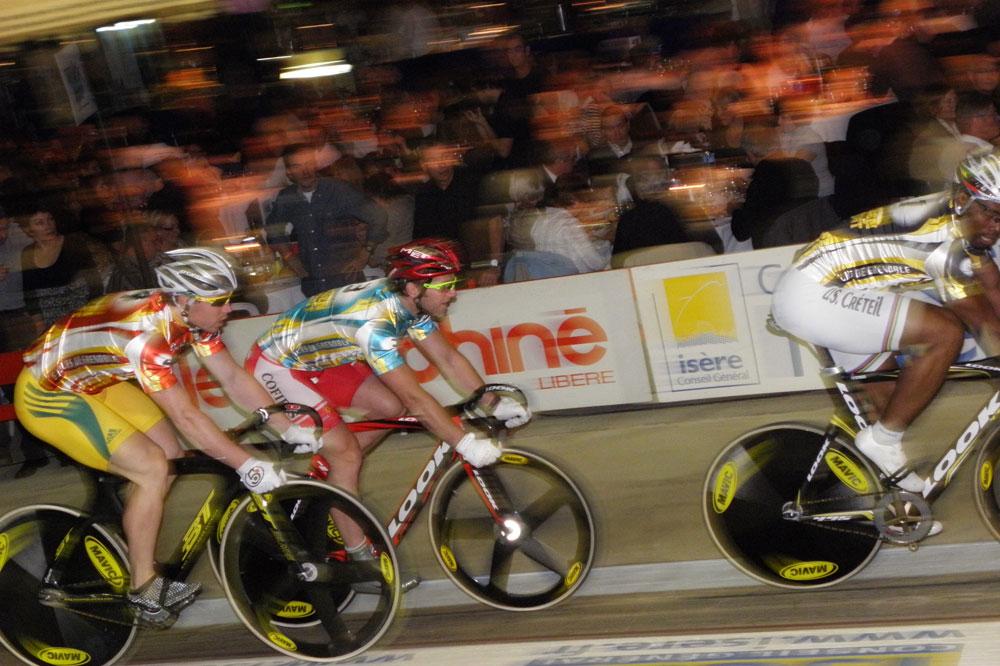Les sprinteurs en action : Grégory Baugé, Teun Mulder et Shane Perkins