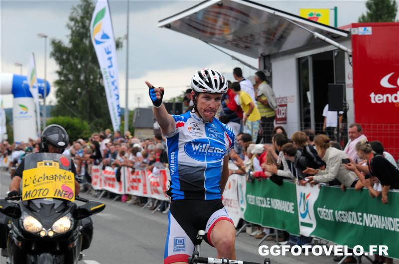 Andy Cappelle vainqueur à Saint-Martin-de-Landelles