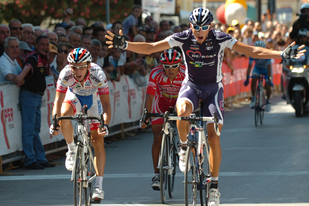 Explosion de joie pour Chiarini qui remporte sur le Trophée Matteotti la première victoire de sa carrière