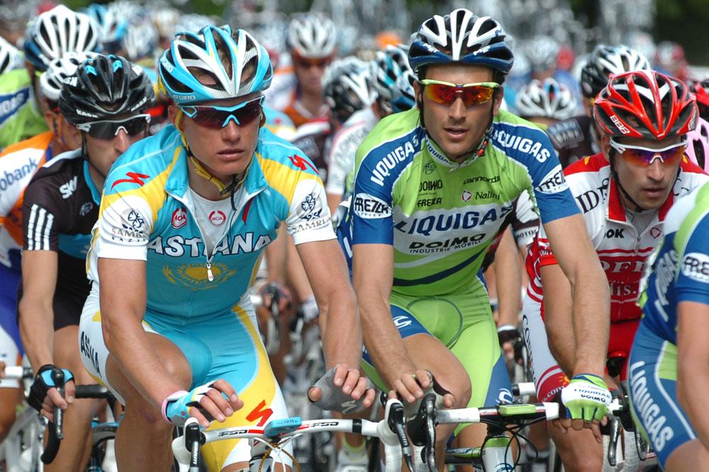 Alexandre Vinokourov et Ivan Basso aux aguets