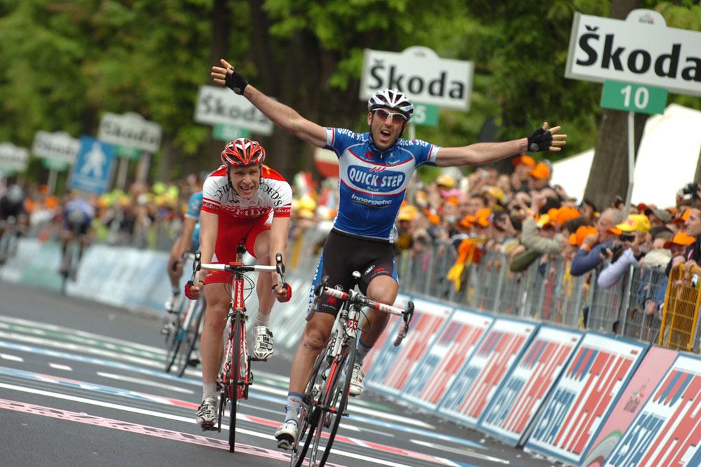 Après plus de 130 kilomètres de fugue, Jérôme Pineau précède Julien Fouchard