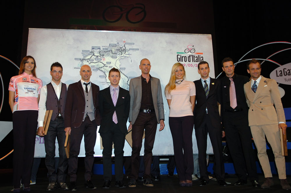 Visconti, Garzelli, Cunego, Ballan, Nibali, Petacchi et Scarponi découvrent la carte du Giro 2011