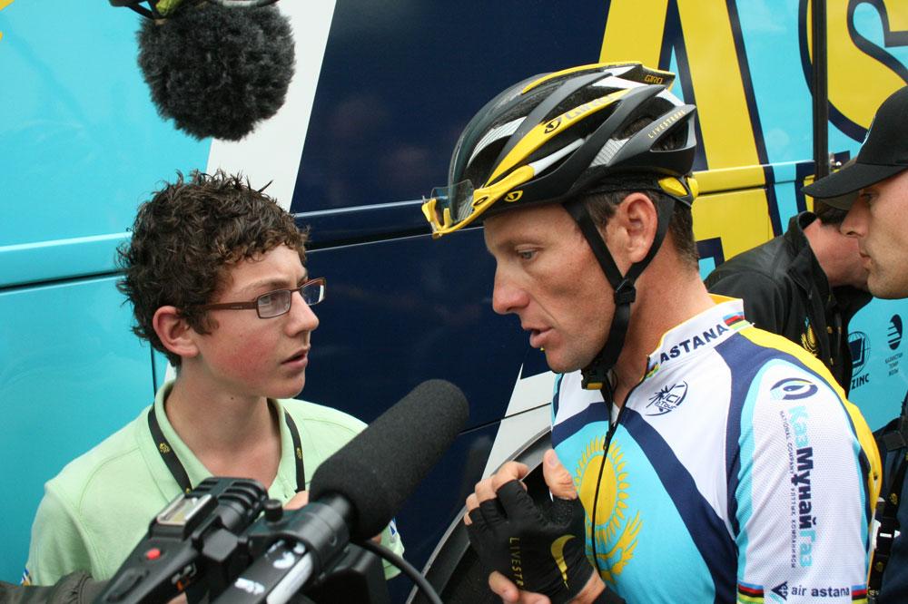 Sur le Tour 2009, Lance Armstrong a accordé quelques minutes de son temps précieux à Quentin, jeune reporter