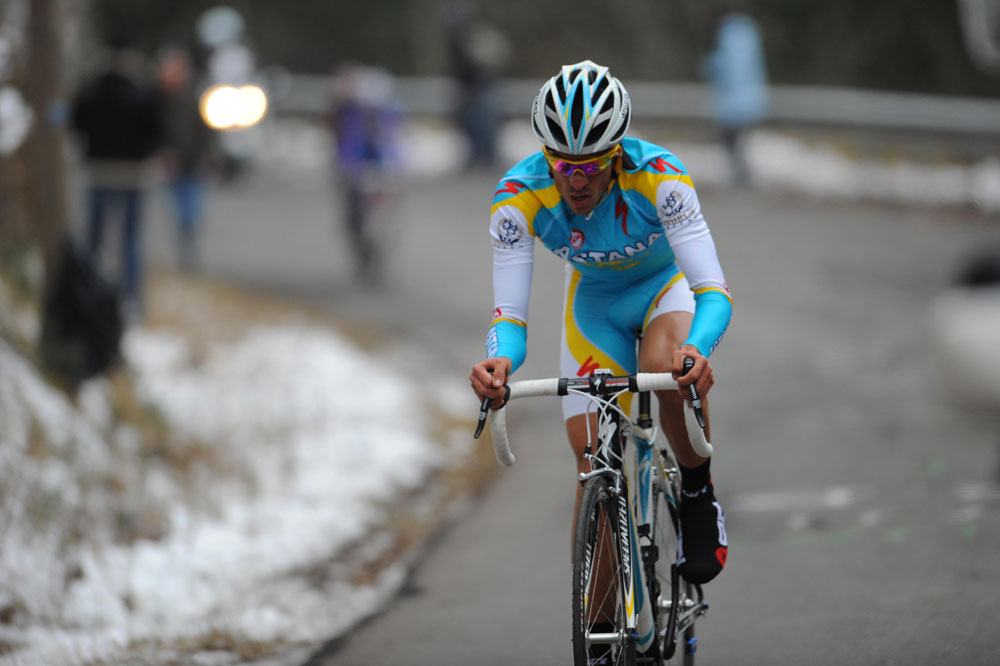 Alberto Contador prend son envol dans la montée de la Croix-Neuve