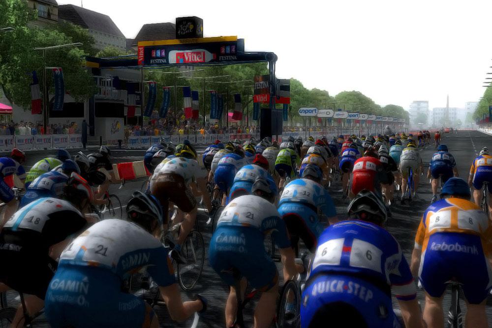 L'arrivée du Tour de France sur les Champs-Elysées comme si vous y étiez !