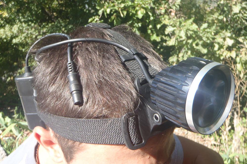 Le système de fixation sous le casque