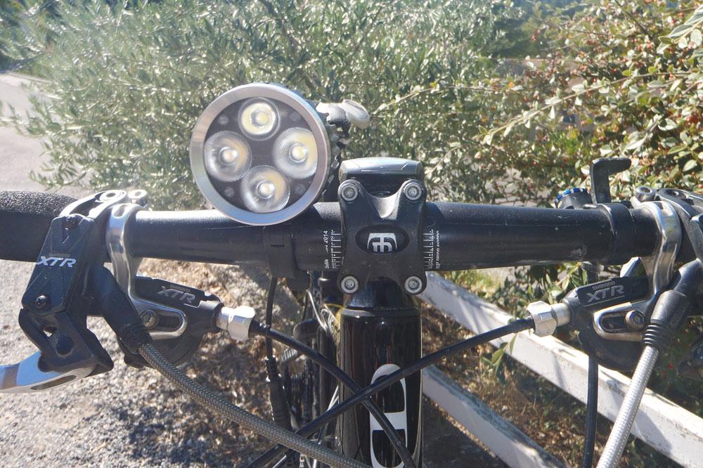 La lampe Hope Vision 4 Led éclairera votre chemin la nuit