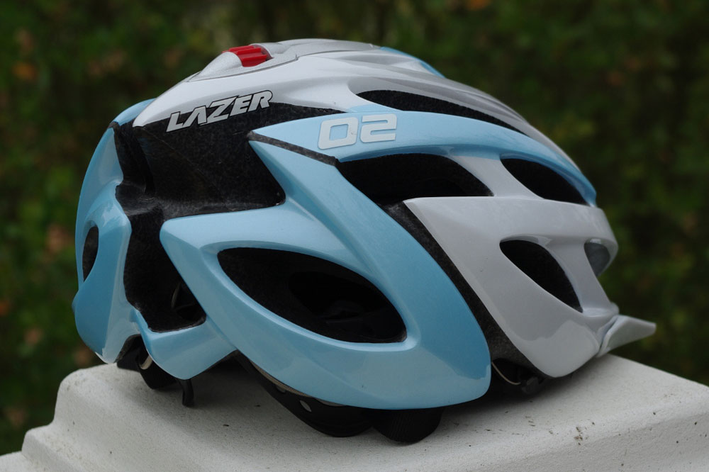 24 ventilations pour ce casque bénéficiant de la technologie In Mold