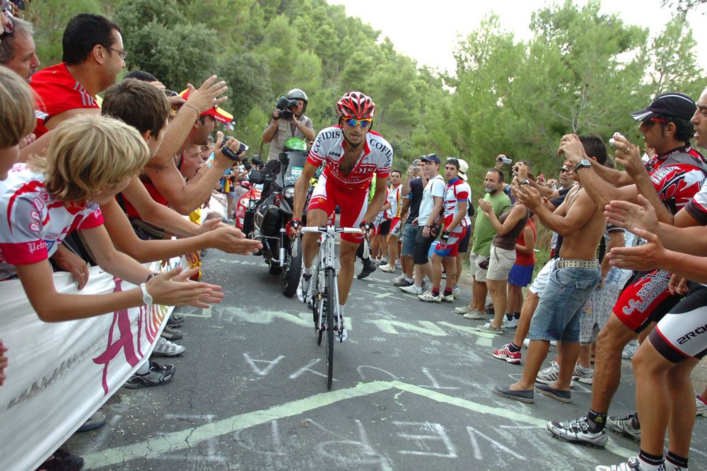 David Moncoutié fend la foule en direction d'un troisième succès d'étape dans le Tour d'Espagne