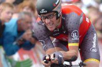 10ème du Prologue en 2009, Lance Armstrong se place devant Alberto Contador en 2010