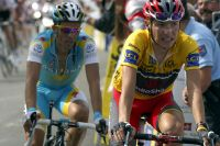 Contador et Brajkovic inséparables dans la montée de Risoul.