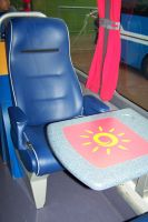 Espace convivial à l'intérieur du bus