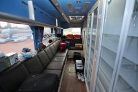 L'arrière du bus d'Ag2r La Mondiale est équipé de deux douches