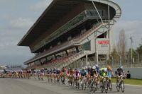 Le peloton sur le Circuit de Catalogne