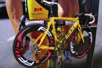 Le vélo Eddy Merckx tout de jaune pour Sylvain Chavanel sur le Tour 2010