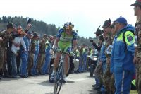 Dents serrées mais rictus engagé, Ivan Basso réécrit sa légende