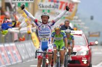 Michele Scarponi triomphe devant Ivan Basso et Vincenzo Nibali