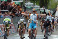 Tyler Farrar gagne au sprint la deuxième étape du Giro