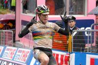 Le champion du monde honore ses couleurs au terme d'une étape épique