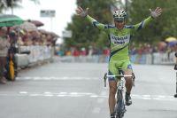 Basso remporte en solitaire le GP Carnago