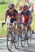Kiryienka et Paulinho s'évadent du groupe des six à 13 kilomètres de l'arrivée