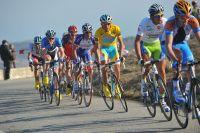 Alberto Contador contrôle ses adversaires