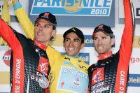 Un podium espagnol : Luis-Leon Sanchez et Alejandro Valverde entourent Alberto Contador