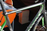 Même le serrage de la tige de selle est profilé pour optimiser l'aérodynamisme