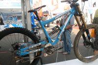 Le vélo Commençal de descente de Gee Atherton, vainqueur de la Coupe du Monde de la discipline
