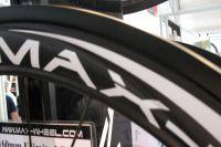Les nouvelles jantes Max-Wheel arborent une feuille de carbone plus fine pour accroître la rigidité