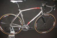 La marque Silk propose une gamme de vélos en titane, dont le Road Pro destiné au cyclosport et à la compétition