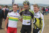 Burry Stander, Alban Lakata et Florian Vogel forment le podium du Roc d'Azur