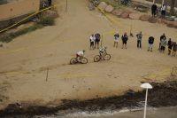 Florian Vogel et Burry Stander s'extraient sur la plage