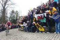 Au sommet du Mur de Grammont, Fabian Cancellara a déjà creusé une différence très nette