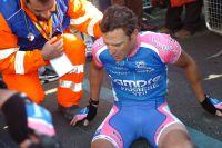 Alessandro Petacchi est au sol avec plus de peur que de mal