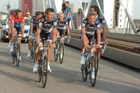 La team Saxo Bank autour de son leader Andy Schleck