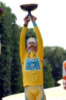 Alberto Contador triomphe sur les Champs