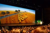 L'affiche et le slogan du Tour 2011 : tous fous du Tour !