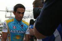 Alberto Contador répond aux questions de la presse