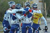 La Française des Jeux savoure ses victoires collectivement