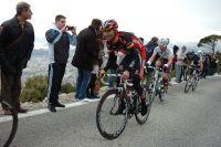 Alejandro Valverde remonte ses adversaires dans la montée du Faron