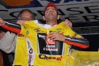 Au sommet du Mont Faron, Alejandro Valverde endosse le Maillot Jaune de vainqueur du Tour Med