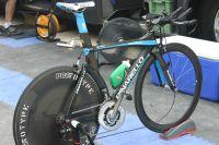 Le vélo de contre-la-montre Pinarello du Team Sky