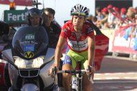 Fin de journée galère pour Vincenzo Nibali, qui rend le Maillot Rouge à Joaquin Rodriguez