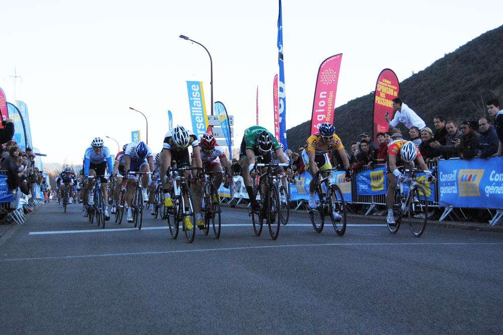 Quatre sprinteurs sur une même ligne, Saïd Haddou l'emporte, Anthony Ravard est classé 3ème