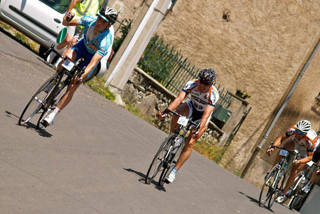 Le sprint final de la deuxième étape de Clermont-Aurillac-Clermont