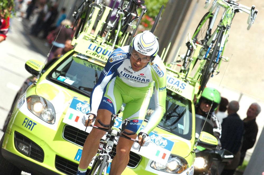 Ivan Basso pas dans son assiette dans le prologue du Dauphiné