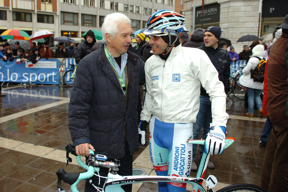 Gianni Savio en discussion avec José Serpa