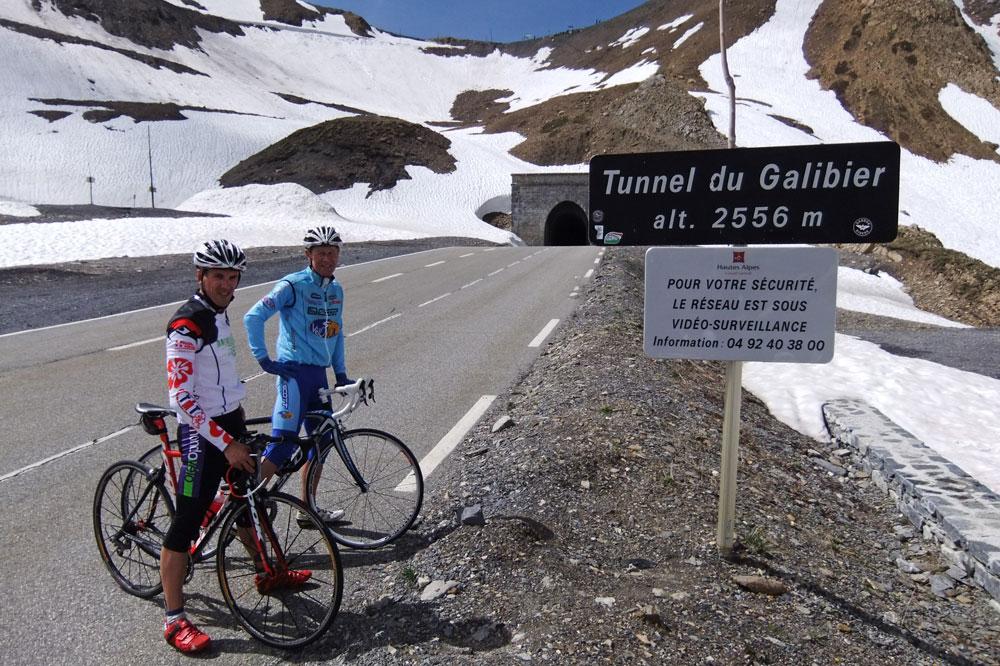 En haut du Galibier, on entrevoit le bout du tunnel !