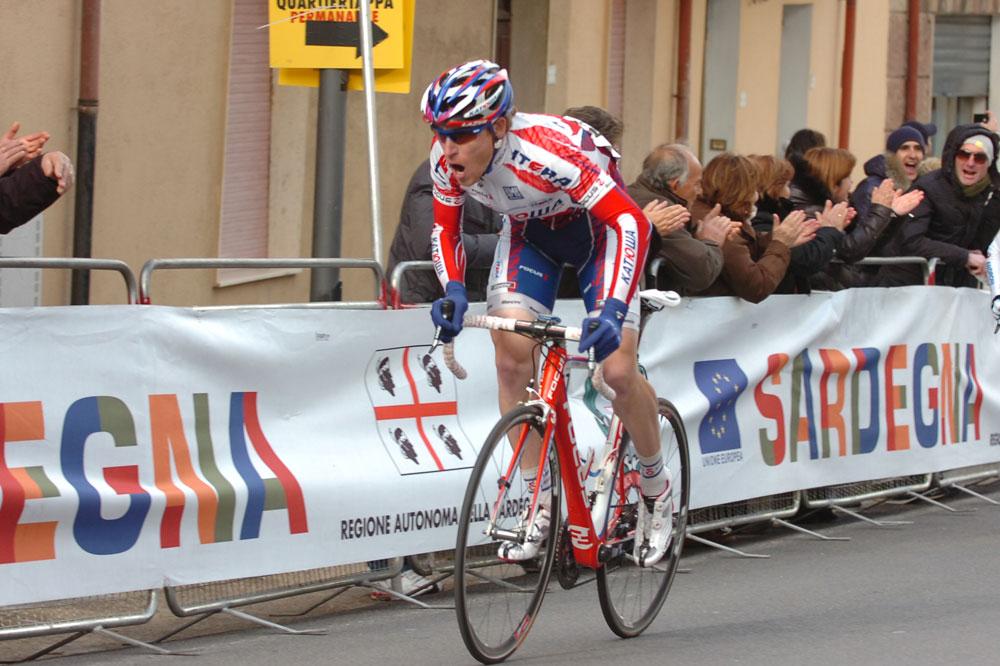 Dans le dernier kilomètre, Pavel Brutt passe à l'attaque